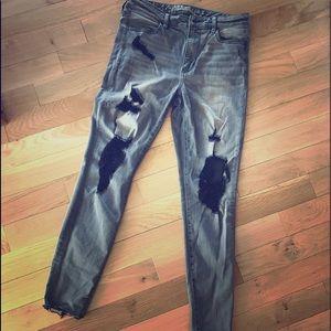 AE Distressed Grey Jeans sz12